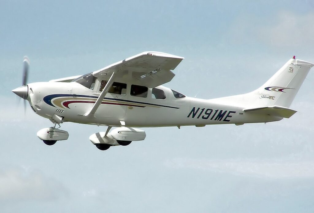 cessna 206 ferrying service